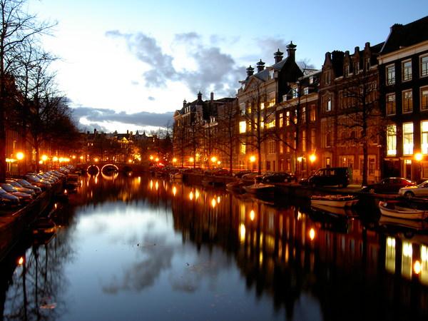 Canal_Amsterdam_ams_697.jpg