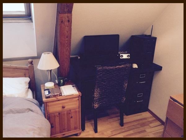 new_desk.jpg